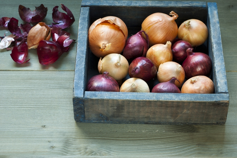 Red onions have quercetin, an antioxidant which can fight cancer.