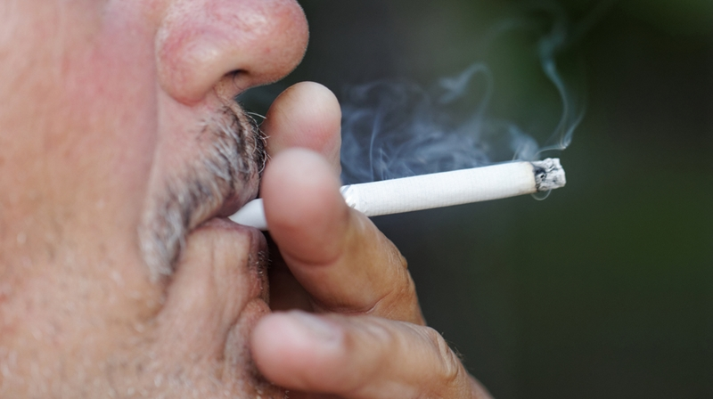Cigarette smoke makes it difficult for lungs to self-repair.